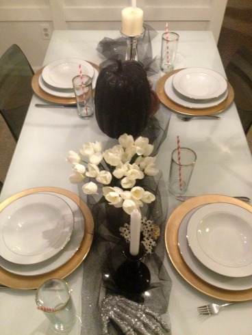 Halloween Table Decor 8